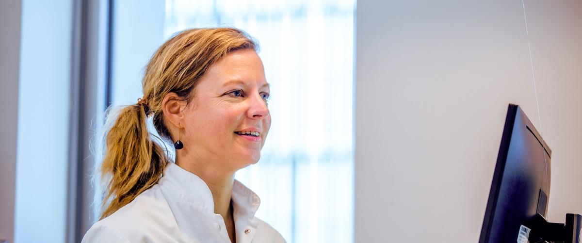 """4-10-2020 Interview Met Floor V Oosterhout, Zaans Slaap/waakcentrum: """"aan Een Ontregelde Biologische Klok Is Wat Te Doen"""""""